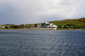Islay i Port Ellen widziana z promu