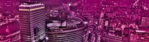 Widok na Pure Sky Club i panoramę Warszawy - umiejscowienie klubu na 22 piętrze (tam gdzie są zapalone wszystkie światła)
