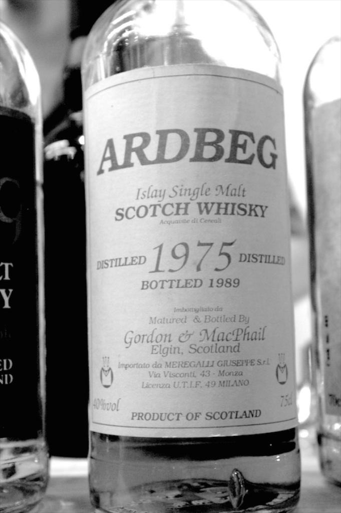 Ardbeg 1975. Na whiskybase nie ma (?), a jednak istnieje.