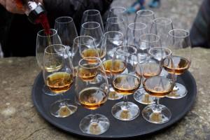 Nic tylko się częstować :) - WhiskyTour 2015