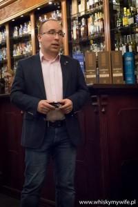 Prowadzący degustację Mariusz Masiak