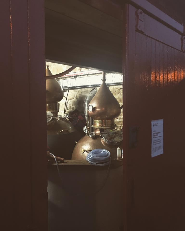 Alembiki w garażu czyli Dornoch Distillery. (picture source Dornoch distillery fan page)